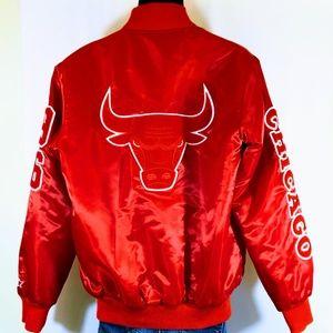 Starter Black Label Chicago Bulls Satin Jacket.